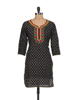 Black Embroidered Kurta - Kwardrobe