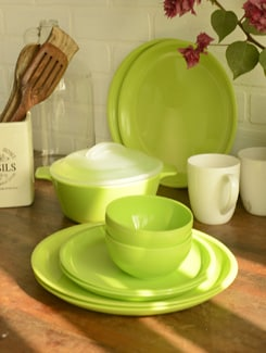 Green Dinner Set Of 21pcs - TRUST And GUESS