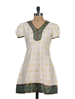 Off White Kurta With Gold Floral Motifs - STRI
