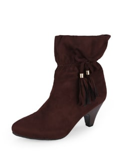 Tasseled Brown Boots - Yell