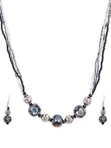 Set Of Beaded Necklace And Earrings - De-Lemon