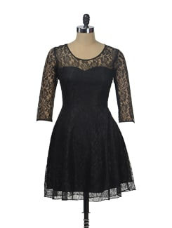 Chic Black Lace Dress - Besiva