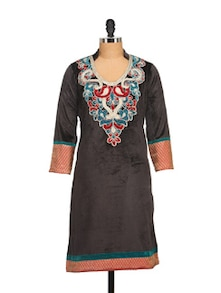 Black Velvet Kurta With Embroidery - NAVYOU