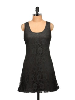 Lacy Black Sleeveless Dress - Tapyti