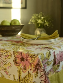 Set Of 8 Seater Table Cover, Napkins And Runner- Set Of 7 - HOUSE THIS