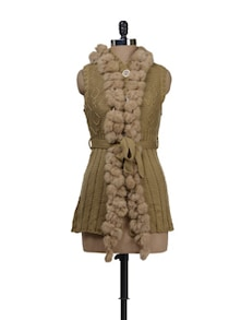 Sleeveless Beige Sweater With Fur - Deal Jeans