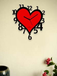 Red Heart Wall Clock With Black Numbers - Zeeshaan