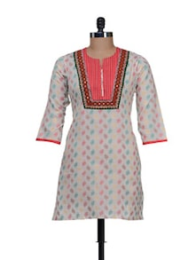 Off White Kurti With A Colourful Print - AFSANA