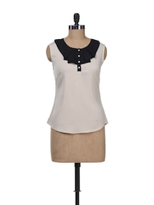 Off White Top With Ruffled Neckline - Kaxiaa