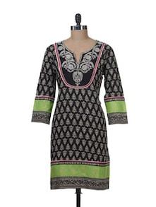 Ethnic Black & Green Printed Kurta - Paislei