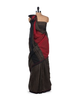 Black Raw Silk Saree with Chanderi Silk Pallu - Desiweaves