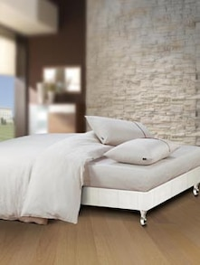 Luxe White Super King Bedsheet With Pillow Covers - Oxford