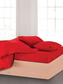 Elegant Red Bedsheet With Pillow Covers - Oxford