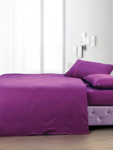 Elegant Wine Bedsheet With Pillow Covers - Oxford