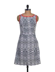 Printed Monochrome Dress - STREET 9