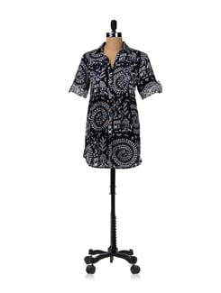 Flared Shirt Dress With Warli Print - RIGOGLIOSO