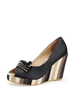Black Wedge Sandals With A Striped Heel - Carlton London