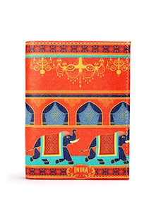 Elephant Procession Passport Holder - Mad(e) In India