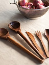 Elegant Kitchen Cutlery Set (5) In Sheesham Wood - ExclusiveLane