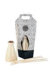 Reed Diffuser With Sandal And White Oil And 7 Pieces Of Reed - Fragrance World India