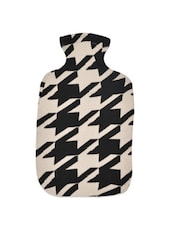 Black And Off-white Hounds Tooth Weave Pattern Cotton Knit Hot Bottle Cover - Pluchi