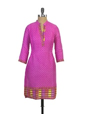 Trendy Pink Polka Dotted Printed Cotton Kurta - Purab Paschim