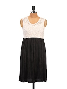 Thread Work Black And White Summer Dress - Zzaaki