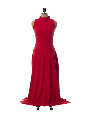 Sultry red high collar neck gown