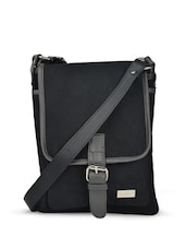 Gorgeous Black Sling Bag - YELLOE