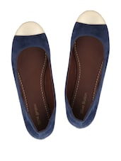 Blue Round Toe Suede Finish Ballerinas With An Off-white Tip - Blue Button