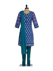 Dark Blue Kurta Set With White Floral Motifs , Green Cotton Churidaar & Green Chiffon Dupatta - KURTAWALA