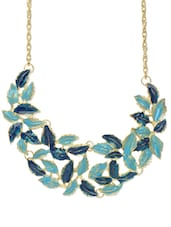 Dazzling Leaf Shaped Sculpted Necklace In Gorgeous Blue - Blueberry