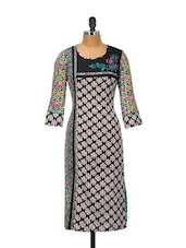 Multi-coloured Round Neck Printed Kurta - Kaccha Taanka