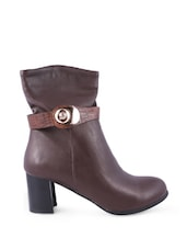 Brown Boots With Metallic Buckle Closure - Balujas