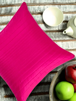 Fuschia uneven quilted Cushion cover