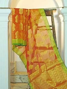 Rust And Green Kora Silk Saree - KAASI