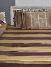 Beige And Wine Double Bed Cover Set - Natraj