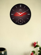 Black Wall Clock With Classic Brown Texture And Red Pattern - Regent