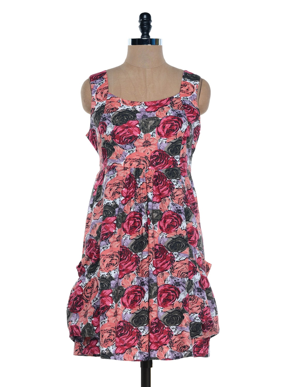 Peach Floral Printed Sleeveless Dress - Mind The Gap
