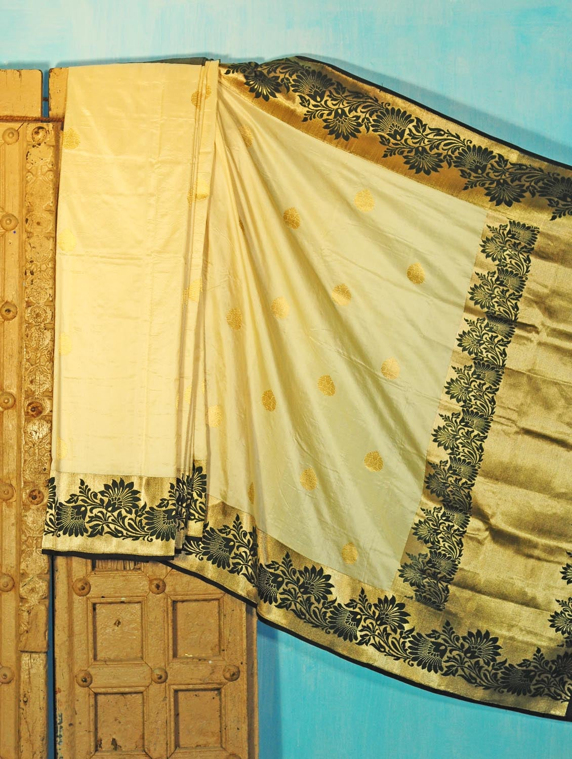 Cream And Black Benarsi Silk Saree - KAASI