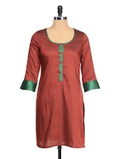 Maroon And Green Three Quarter Sleeved Kurta - RIYA