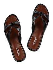 Black Knotted-Strap Slippers - Tiptop