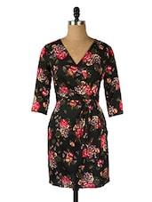 Black V-neck Floral Print Dress - Queens