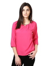 Pink Full Sleeved Top With A Chain In The Neck - Citrine