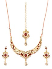 Red And Gold Stone-studded Necklace, Earrings And Maangtika Set - Vendee Fashion