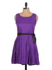 Solid Purple Dress With Black Knot At Waist - Xniva