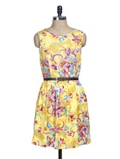 Yellow Floral Sleeveless Pleated Dress - La Zoire