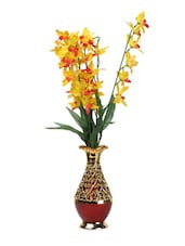 A Ethnic Vase With Yellow Flowers - Flower N Décor