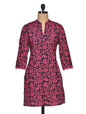 Floral Print Mandarin Collar Three Quarter Sleeve Cotton Kurta - Paislei