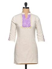 White Cotton Kurti With Printed Pin Tuck Yoke - Paislei